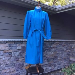 Lightweight raincoat, fully lined,like new